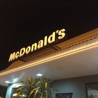 Foto tomada en McDonald's por Tom L. el 12/23/2012