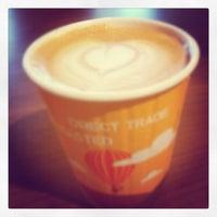Foto tomada en Transcend Coffee por Yvonne C. el 10/10/2012