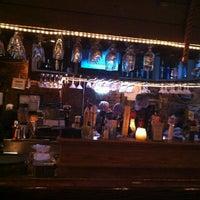 Foto diambil di King Crab Tavern & Seafood Grill oleh Tracy pada 5/26/2013