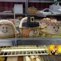Foto tirada no(a) Paddy Cake Bakery por Terri O. em 11/20/2012