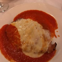 Photo prise au Villa Mosconi Restaurant par Gregg H. le9/15/2017