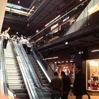 Foto tirada no(a) Mall Espacio M por Karla G. em 11/21/2012