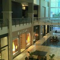 Foto tirada no(a) Mall Multiplaza Pacific por Ivan P. em 1/12/2013