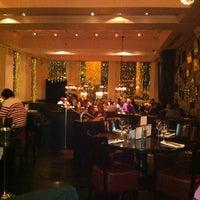 Foto tomada en The Grill On The Corner por Jacqueline B. el 10/24/2012