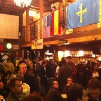 Foto tomada en La Casa de la Cerveza por Mariela G. el 12/1/2012