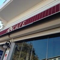 10/26/2012 tarihinde Cmk K.ziyaretçi tarafından Ada Cafe'de çekilen fotoğraf