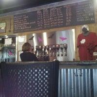 Foto tomada en Bootstrap Brewing por Frankie M. el 10/13/2012