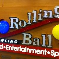 4/14/2013 tarihinde Meryemziyaretçi tarafından RollingBall Bowling'de çekilen fotoğraf