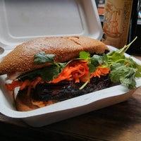 Снимок сделан в Num Pang Sandwich Shop пользователем Tonton F. 5/12/2013