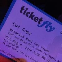 Foto scattata a Brooklyn Bowl Las Vegas da Joel L. il 8/9/2014