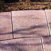 Снимок сделан в Memorial to the 56 Signers of the Declaration of Independence пользователем David C. 1/18/2013