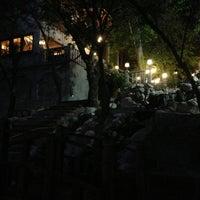 6/1/2013 tarihinde Hakan A.ziyaretçi tarafından Yalı Restaurant'de çekilen fotoğraf