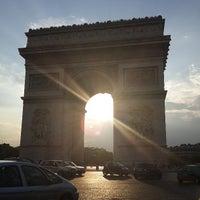 Foto tirada no(a) Arco do Triunfo por Teik Chuan L. em 7/26/2013