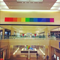 Foto tomada en NorthPark Center  por Rondo E. el 11/9/2012