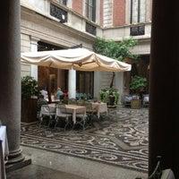 Foto diambil di Il Salumaio di Montenapoleone oleh Vivian pada 9/20/2012