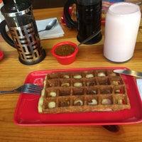 Снимок сделан в W&M Waffles & More пользователем Yoli R. 3/10/2019