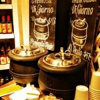 Foto tomada en Bottega Culinaria por Sabina V. el 1/30/2013