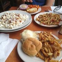Снимок сделан в Tyler's Restaurant & Taproom пользователем Laura M. 5/23/2013