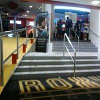 Foto tirada no(a) Cine Roxy por Alexandre B. em 11/18/2012