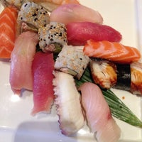 Photo prise au The Sushi On Sunset par Fernanda le11/10/2013