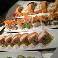 Foto tomada en Senz Nikkei Restaurant por Pame H. el 2/19/2013