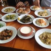 Das Foto wurde bei Kısmet Lokantası von Onur V. am 12/22/2012 aufgenommen