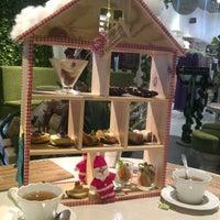 Photo prise au Nanny's Pavillon - Garden par Agnes A. le12/20/2012