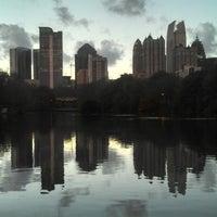 รูปภาพถ่ายที่ Piedmont Park โดย Friar F. เมื่อ 12/20/2012