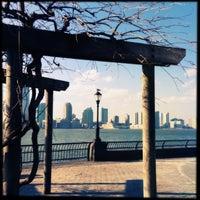 Photo prise au Battery Park City Esplanade par Susan B. le2/15/2013