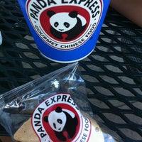 9/15/2012 tarihinde Natalia N.ziyaretçi tarafından Panda Express'de çekilen fotoğraf