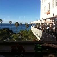 Photo prise au La Valencia Hotel par Alex E. le12/28/2012