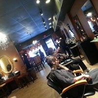 Foto tomada en Enigma Hair Studio, LLC por Jeanette P. el 1/11/2014