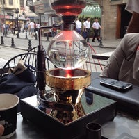 Photo prise au Coffeetopia par Sema B. le6/23/2014
