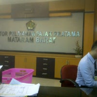 Foto scattata a Kantor Pelayanan Pajak Pratama Mataram Barat da SUPRIYANTHO K. il 11/10/2014