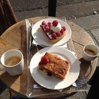 Photo prise au The Smiths Bakery par Fatma A. le3/29/2014