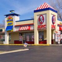 Foto diambil di KFC oleh Travis E. pada 6/1/2016