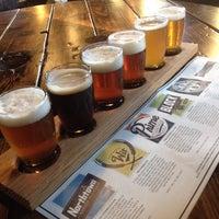 Das Foto wurde bei Cinder Block Brewery von Kinsey G. am 10/24/2013 aufgenommen