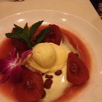 7/21/2013에 Stephanie C.님이 Ferraro's Italian Restaurant & Wine Bar에서 찍은 사진