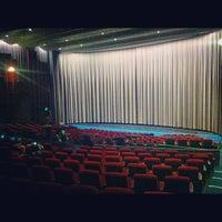 Foto scattata a Cinerama da Brandon A. il 5/3/2013