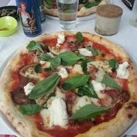 Photo prise au La Bottega della Pizza par Florent B. le4/20/2013