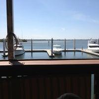รูปภาพถ่ายที่ Hula Bay Club โดย Becki K. เมื่อ 3/14/2013