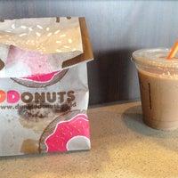 5/29/2017에 Resta S.님이 Dunkin' Donuts에서 찍은 사진