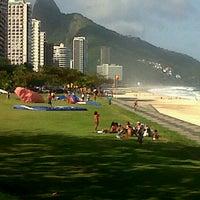 Foto tirada no(a) Praia do Pepino por jozivaldo D. em 7/21/2013