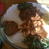 Снимок сделан в Lalibela Ethiopian Restaurant пользователем Shicky L. 2/29/2016