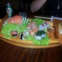 Foto tirada no(a) Hanbai Sushi Bar por Gilson O. em 9/14/2012