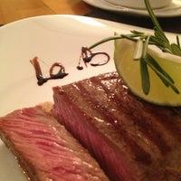 รูปภาพถ่ายที่ Le Bouchon Café โดย Natalia V. เมื่อ 11/2/2013