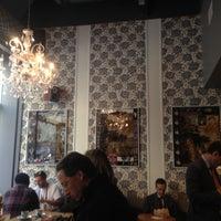 Foto diambil di Culture Espresso oleh Sophia pada 4/22/2013