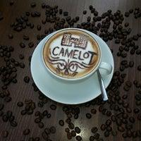 4/30/2013にSelahattin I.がCamelot Cafe & Restaurantで撮った写真