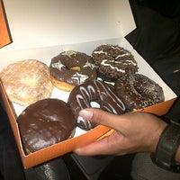 11/7/2014 tarihinde Sujayaziyaretçi tarafından Dunkin Donuts'de çekilen fotoğraf