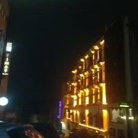 Das Foto wurde bei Dosso Dossi Hotels Old City von Bülent E. am 12/9/2013 aufgenommen